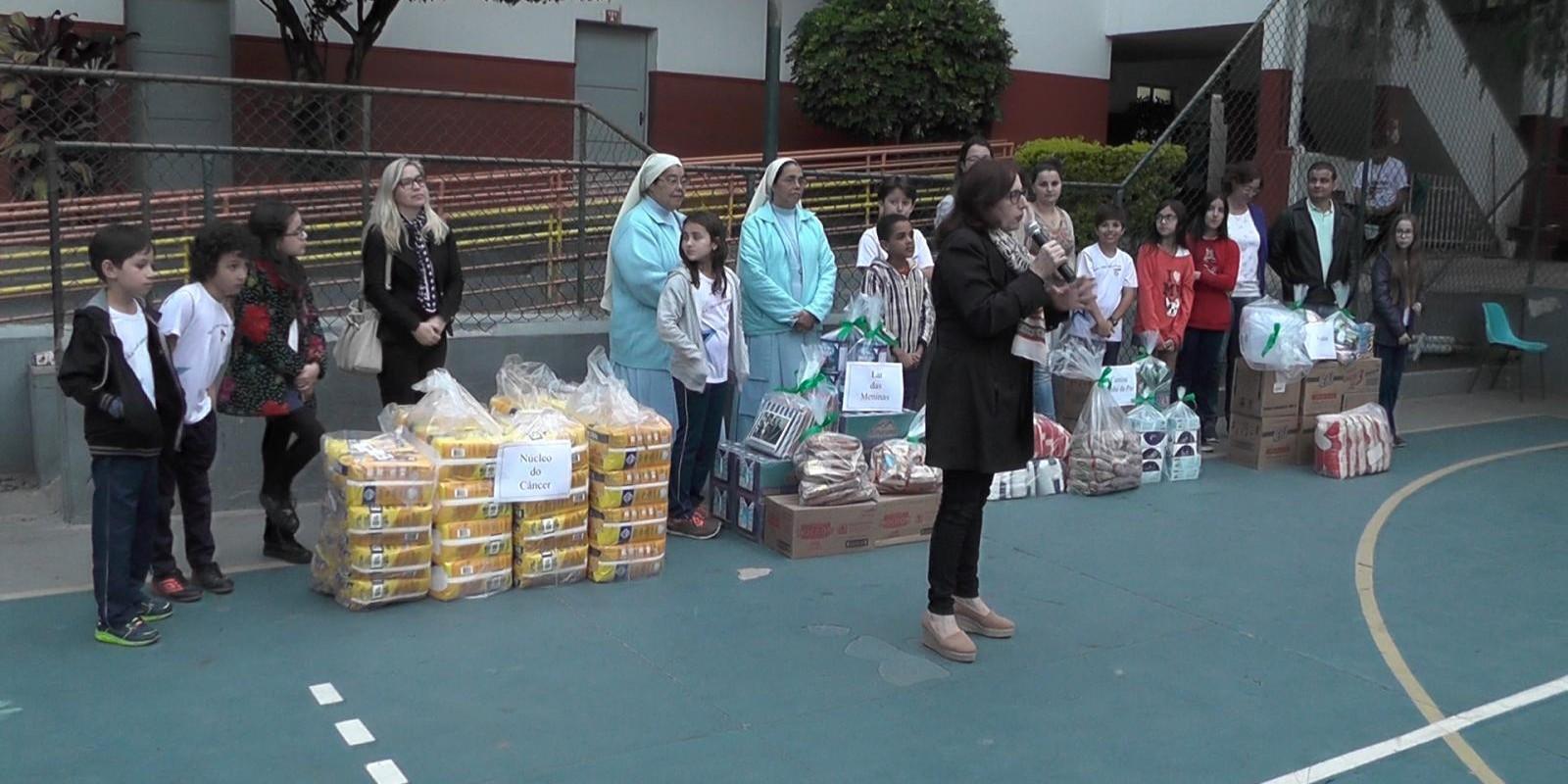 SOLIDARIEDADE: Escola Jairo Grossi arrecada com festa junina e faz doações a entidades filantrópicas
