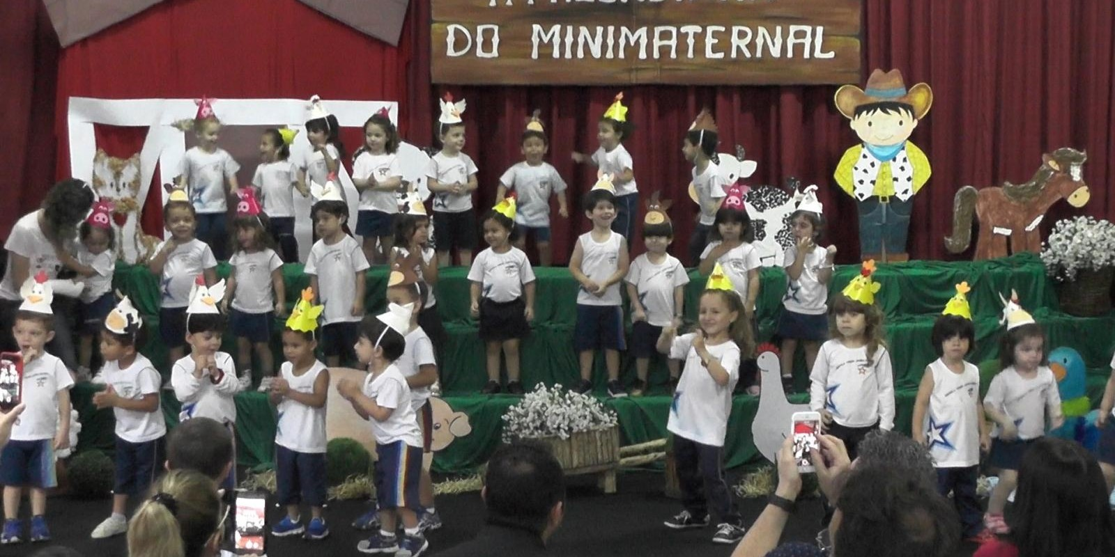 Minimaternal da Escola Professor Jairo Grossi encerra ano letivo com projeto lúdico