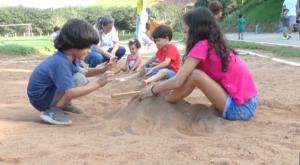 Escola Professor Jairo Grossi promove tarde animada em prol da família